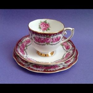 Other - Roslyn China Buckingham Teacup Trio